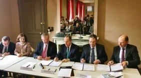 Signature en Mairie de Thizy-lès-Bourg